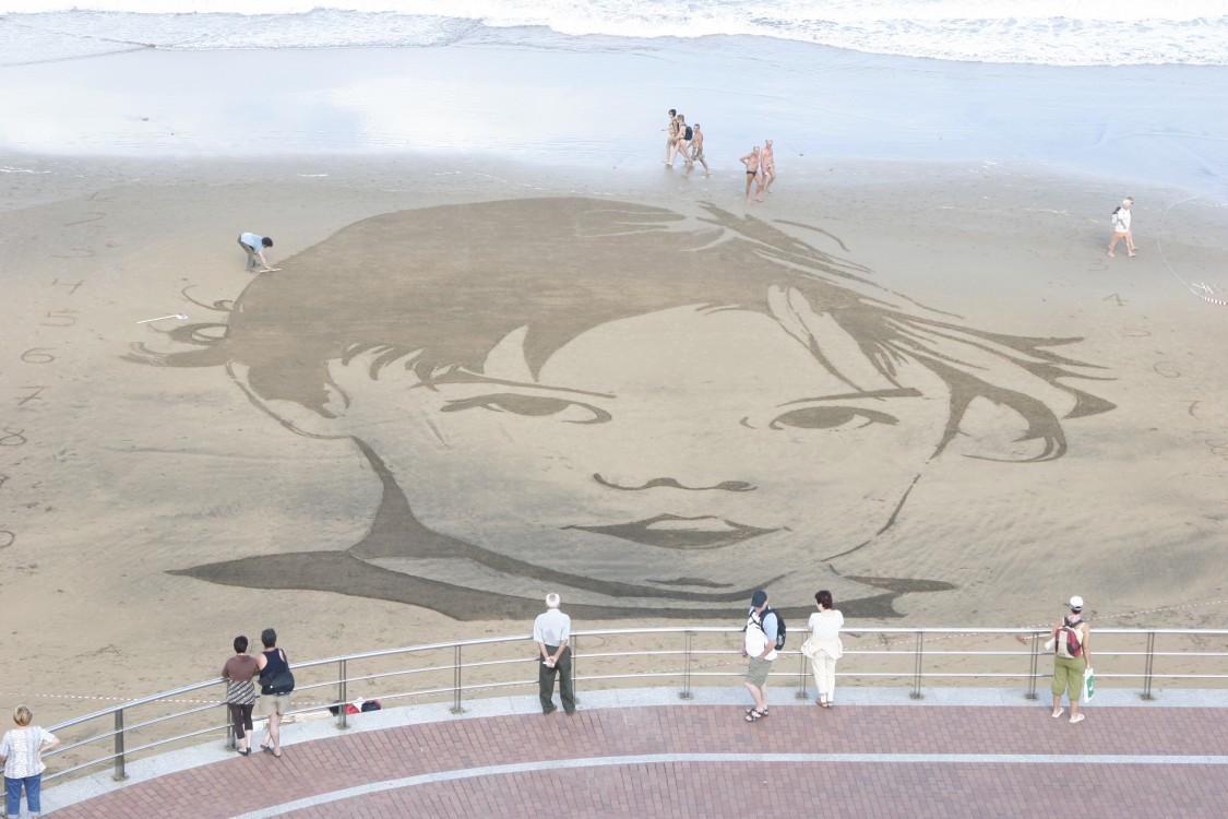 Ilustración en arena. Niña